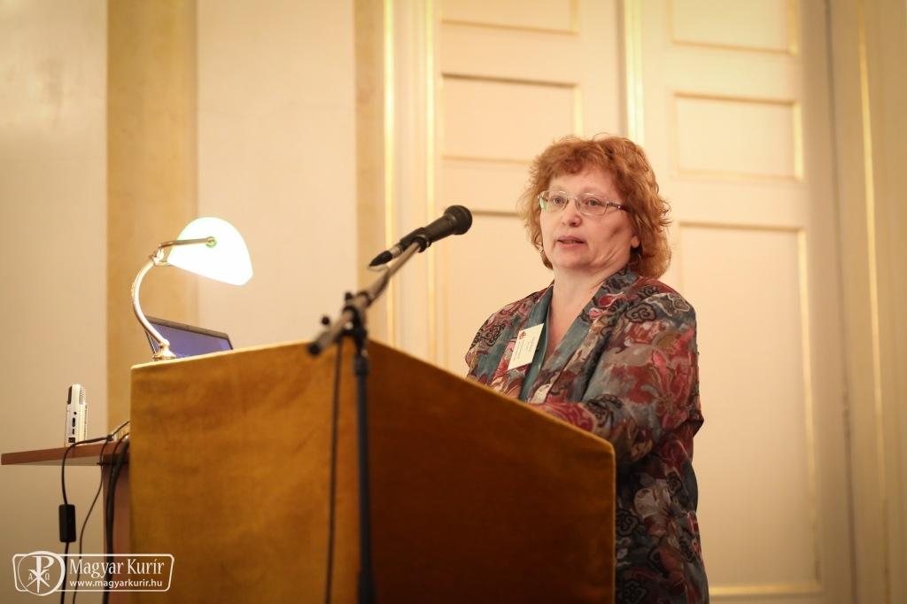 Balogh Margit, a MTA BTK tudományos tanácsadója interjúja a Magyar Hírlapban
